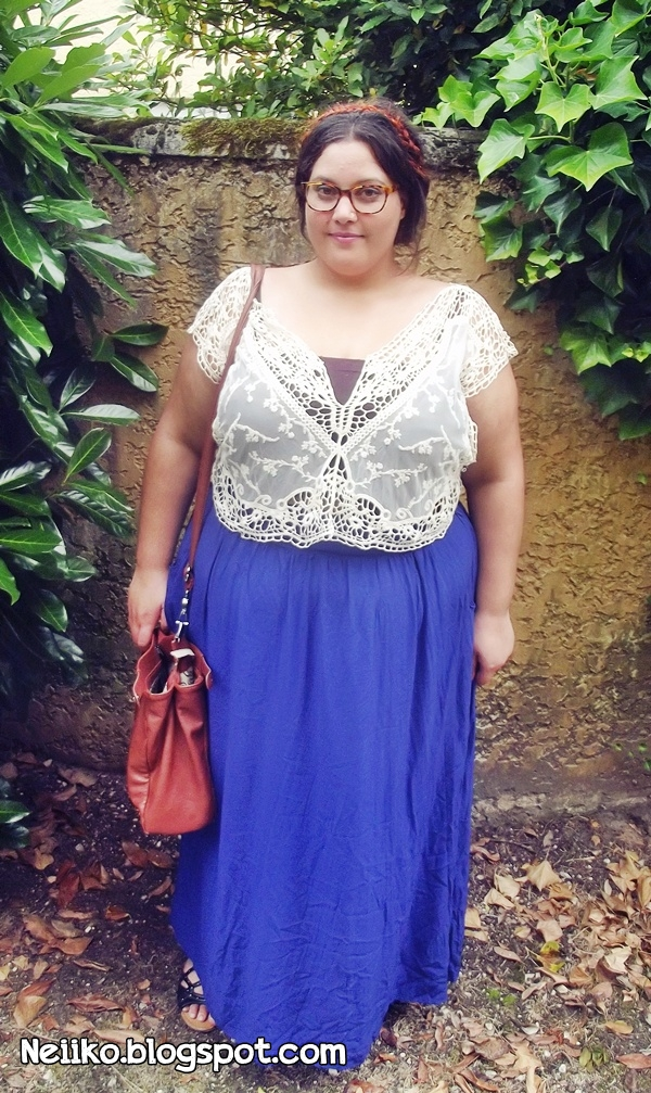 plus size white lace crop top and blu maxi skirt