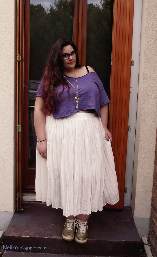 plus size casual crop top and whit skirt