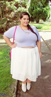 lilac-crop-top french curve
