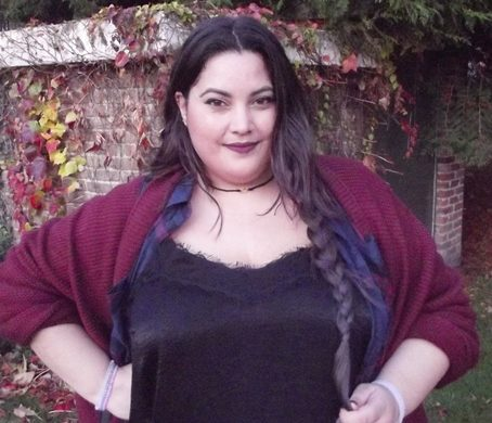 Neiiko plus size blogger